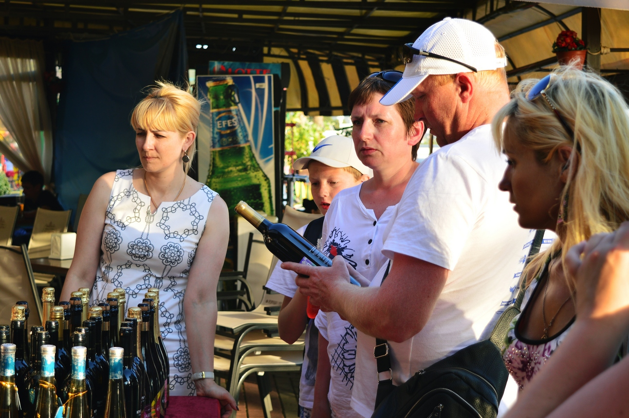 Дегустация 2017 вин Крымского винного завода в Геленджике