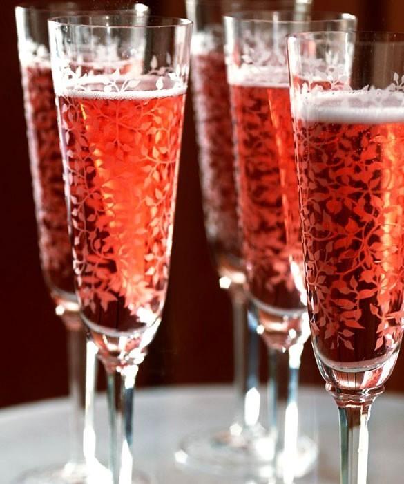 «Аморе Аппассионато» - Розовый винный газированный напиток для девушек